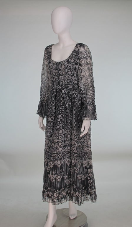 1970s Oscar de la Renta Bohemian tribal print dress 4
