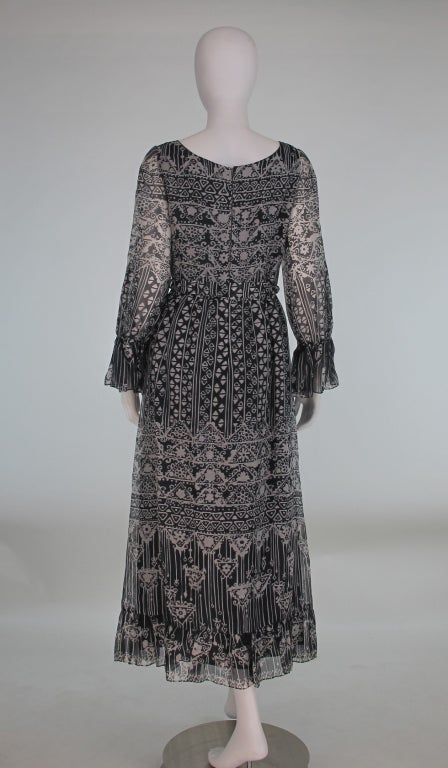 1970s Oscar de la Renta Bohemian tribal print dress 6