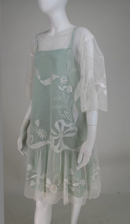 1920s Gatsby era embroidered tulle tea/wedding dress In Excellent Condition For Sale In West Palm Beach, FL