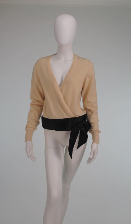 Chanel  cashmere wrap sweater In Excellent Condition For Sale In West Palm Beach, FL