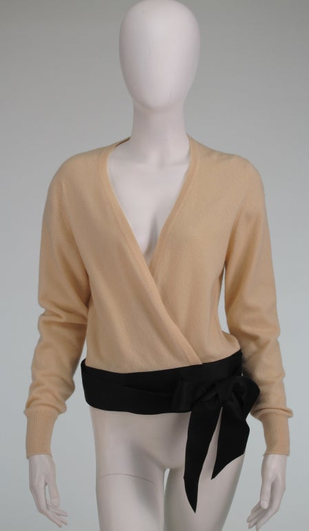 Chanel  cashmere wrap sweater For Sale 5