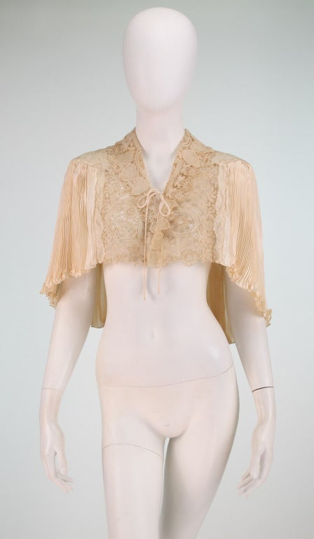 1940s Trousseau Cape in Ivory Pleated Silk Satin and Duchesse Lace 3