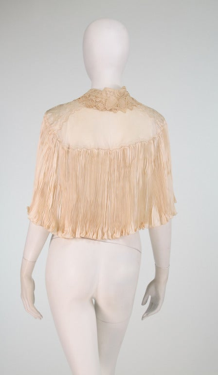 1940s Trousseau Cape in Ivory Pleated Silk Satin and Duchesse Lace 5