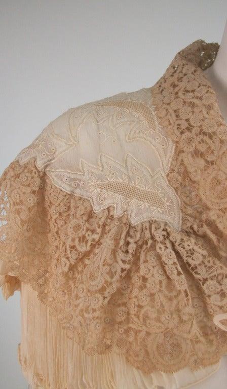 1940s Trousseau cape Ivory pleated silk crepe & Rosaline lace 10