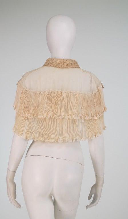 1940s Trousseau cape Ivory pleated silk crepe & Rosaline lace 6