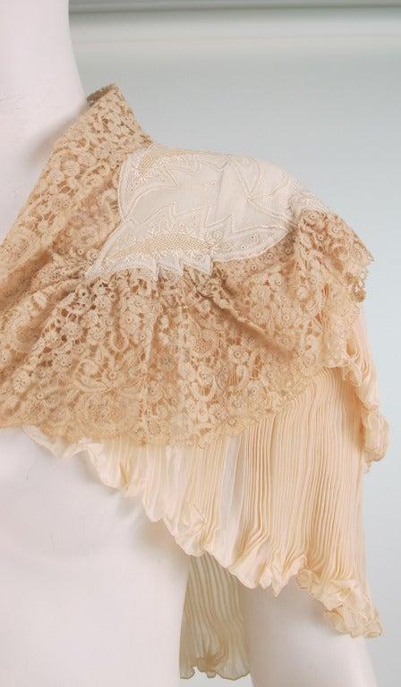 1940s Trousseau cape Ivory pleated silk crepe & Rosaline lace 7