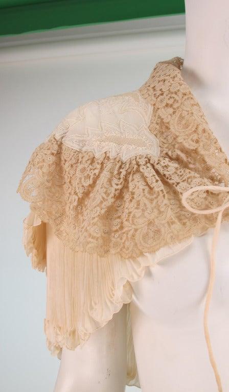 1940s Trousseau cape Ivory pleated silk crepe & Rosaline lace 8