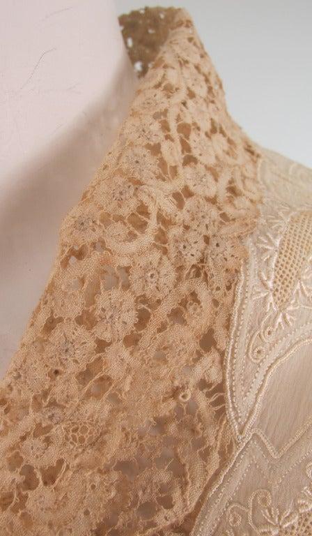 1940s Trousseau cape Ivory pleated silk crepe & Rosaline lace 9