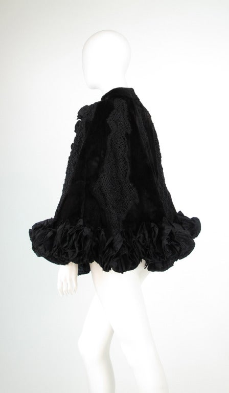 Women's Oscar de la Renta Couture beaded fur evening cape For Sale