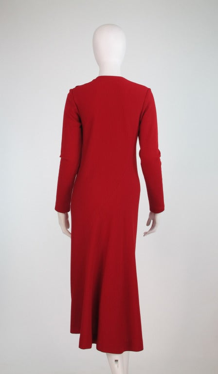 Halston spiral cut knit dress in red 1970s In Excellent Condition For Sale In West Palm Beach, FL
