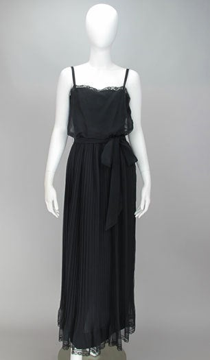 Adele Simpson black chiffon pleated maxi dress In Excellent Condition For Sale In West Palm Beach, FL