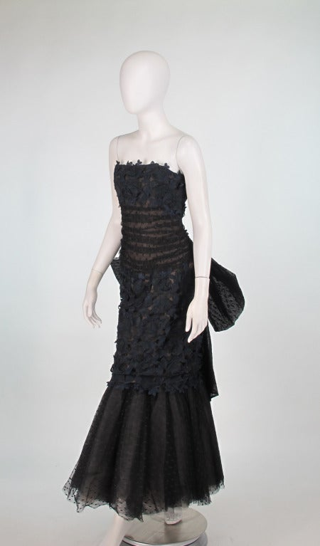 Black 1980s Victor Costa guipure lace & point d'esprit strapless evening gown For Sale
