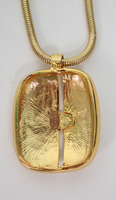 1970s Lanvin gold modernist pendant necklace In Excellent Condition For Sale In West Palm Beach, FL