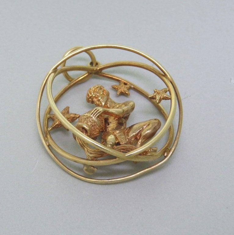 Ruser Gold Zodiac Aquarius Pendant