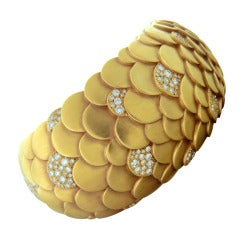 Pomellato Sirene Diamond Gold Cuff Bracelet