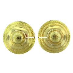 DAVID WEBB Hammered Gold Round Earrings