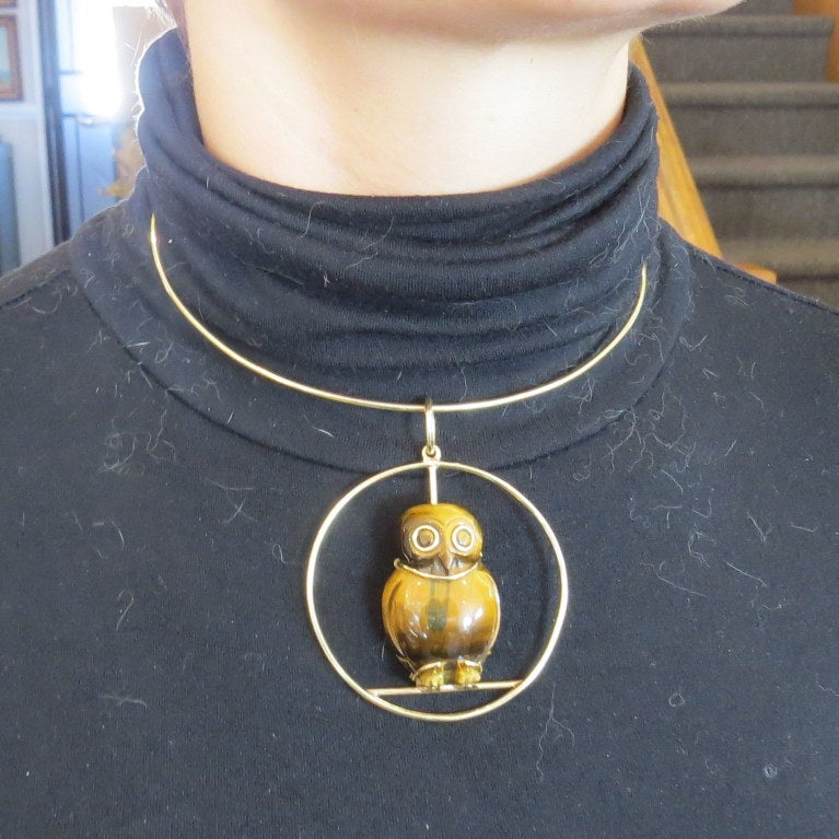 1970s Seaman Schepps Gold Tiger's Eye Owl Pendant Necklace For Sale 1