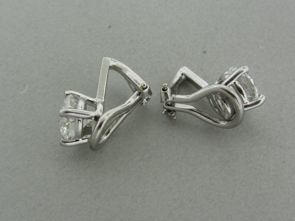 TIFFANY & CO  2.44ctw F VVS2 Diamond Stud Earrings In Excellent Condition For Sale In Lahaska, PA