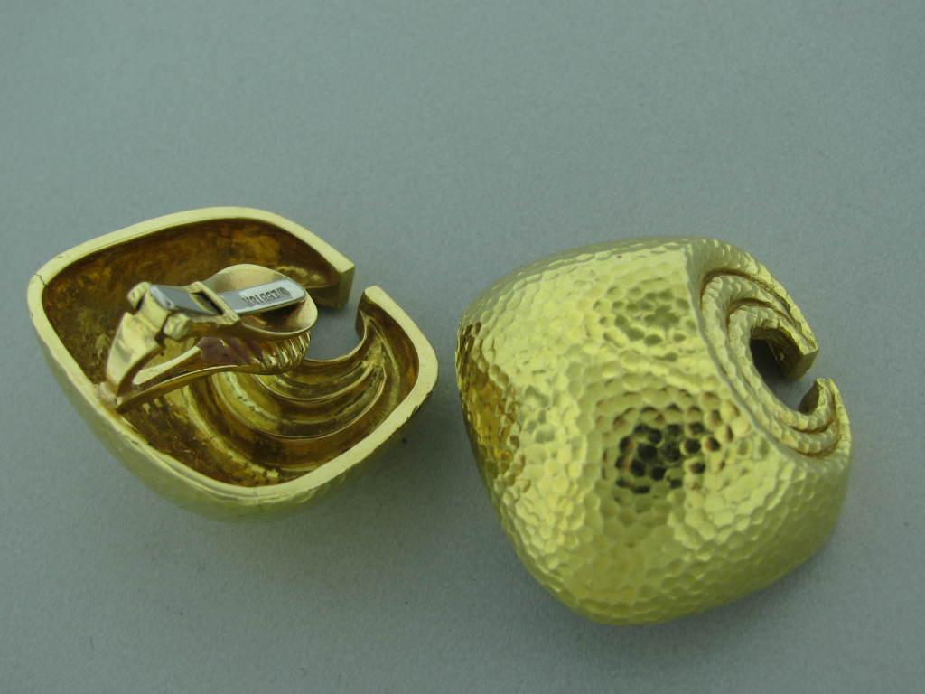 DAVID WEBB Hammered Gold Clip Earrings 2