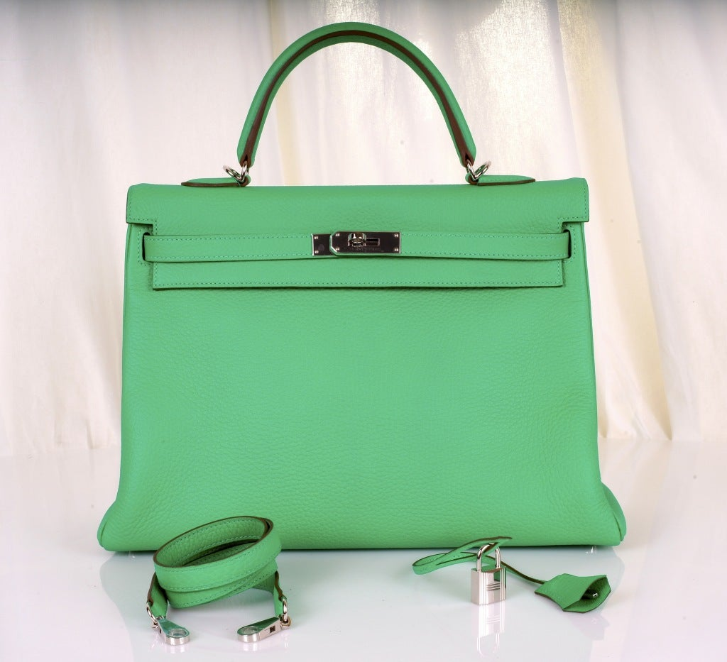 HERMES KELLY BAG 35CM MENTHE MINT OMG COLOR! image 2