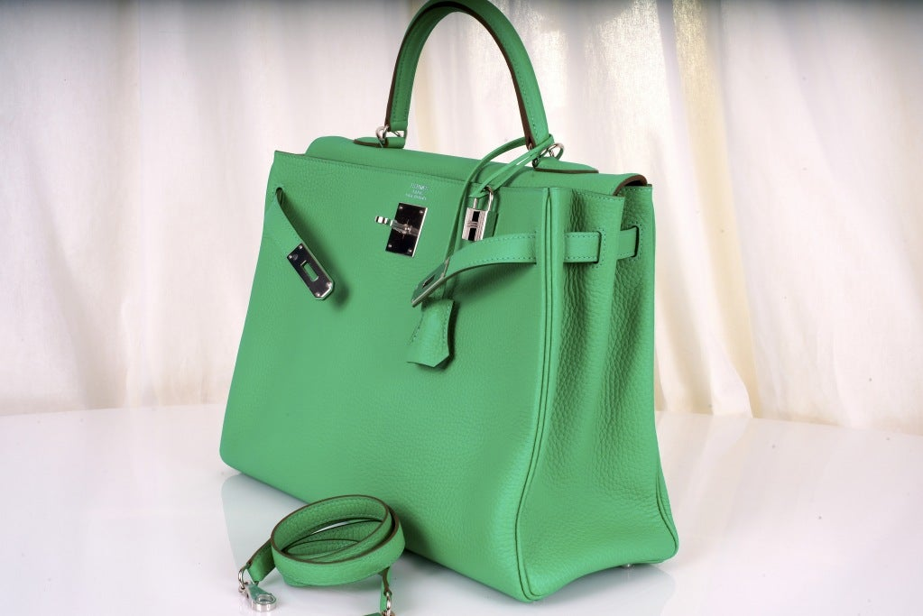 HERMES KELLY BAG 35CM MENTHE MINT OMG COLOR! image 3