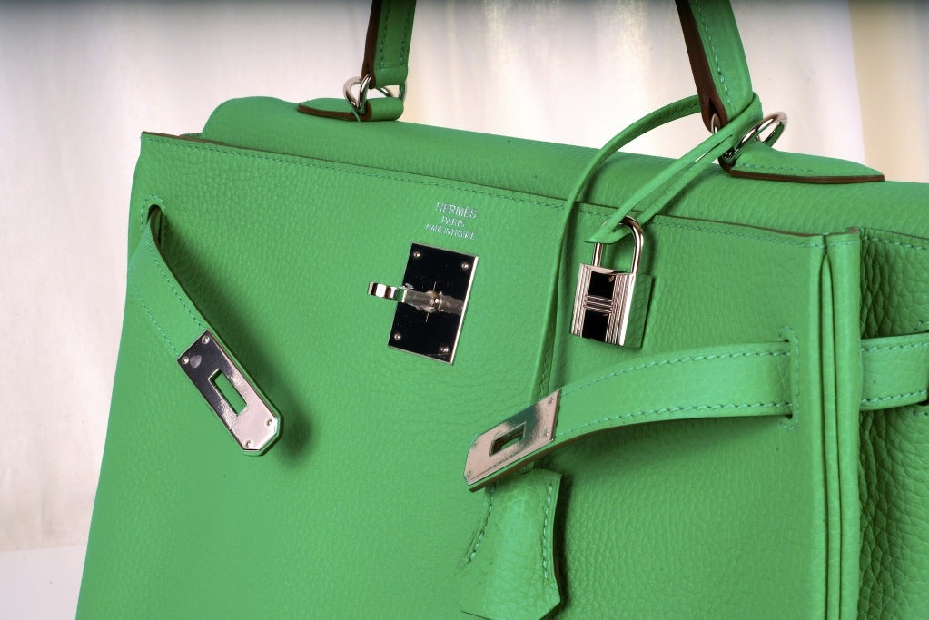 HERMES KELLY BAG 35CM MENTHE MINT OMG COLOR! image 4