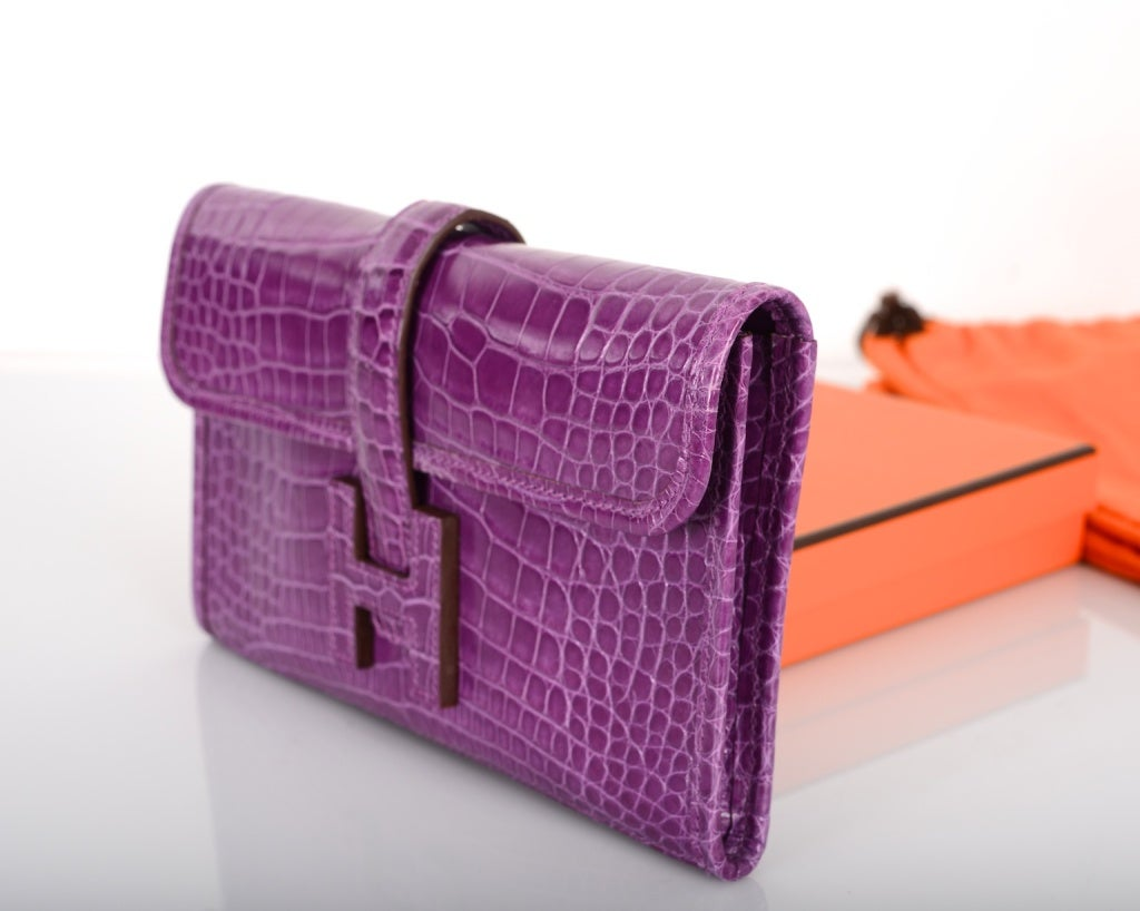 HERMES JIGE CLUTCH PM CROCODILE VIOLET INCREDIBLE! at 1stdibs