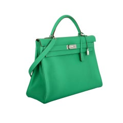 INCREDIBLE NEW COLOR HERMES KELLY BAG 40CM MENTHE MINT OMG COLOR