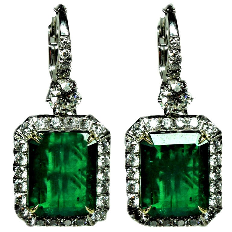 Exquisite 9 55 CT GIA Colombian Emerald Earrings For Sale at 1stdibs