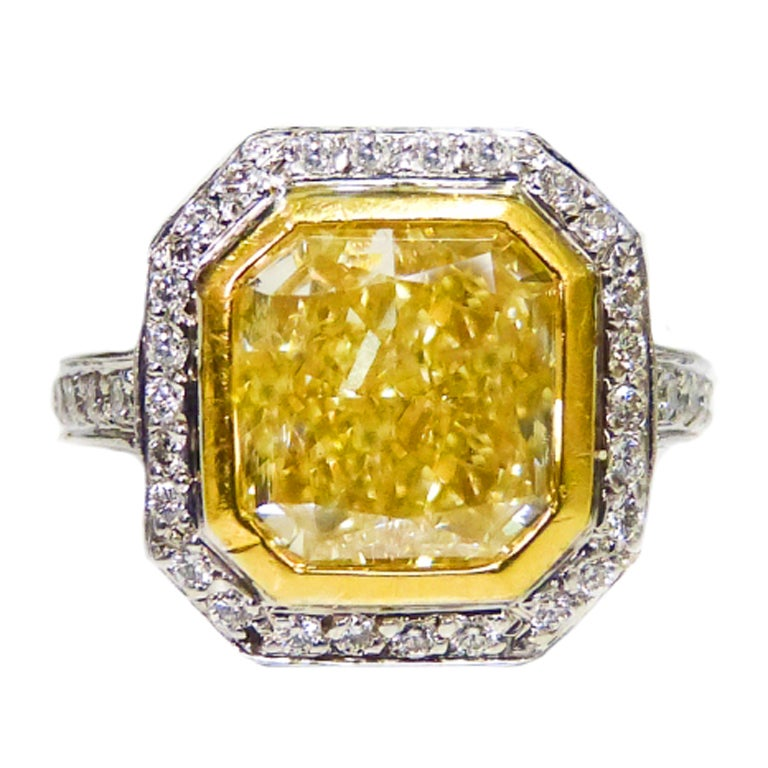A Natural Canary 5 02 Carat Fancy Light Yellow Diamond