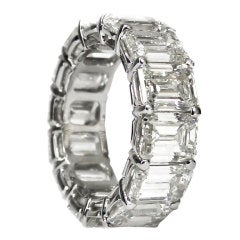 Stunning Emerald Cut Eternity Band