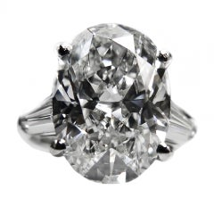 Magnificent Eight Carat Diamond Ring