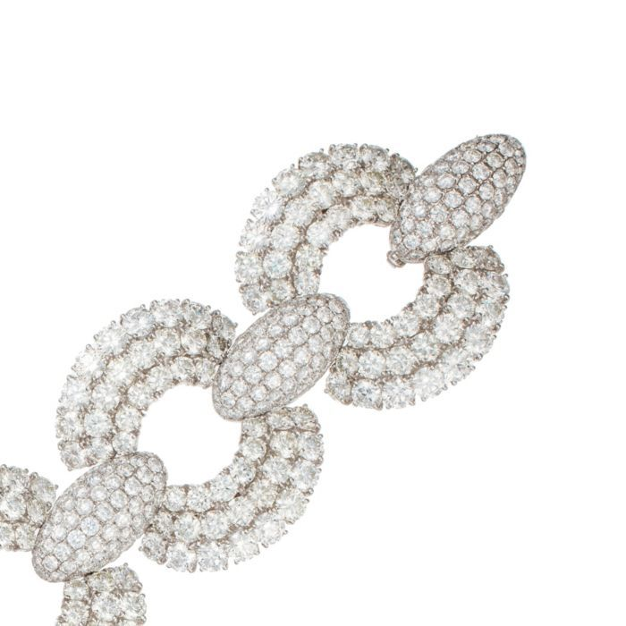 Magnificent diamond link bracelet