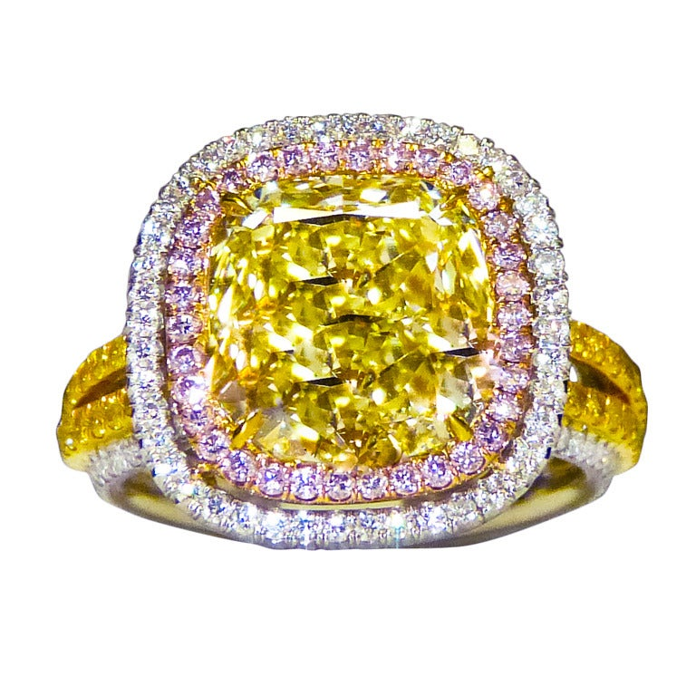 Fancy Light Yellow Diamond Ring For Sale at 1stdibs