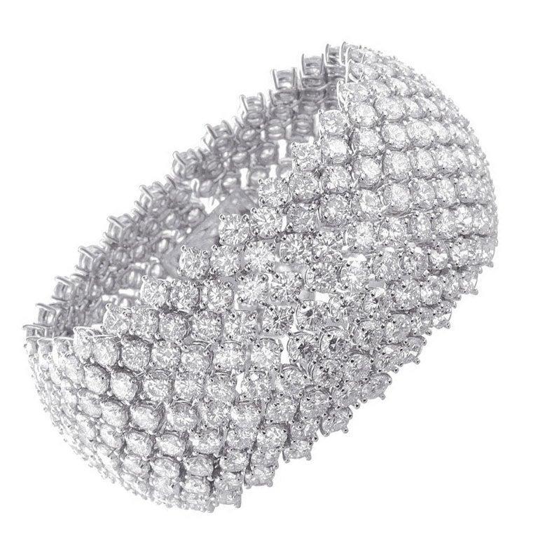 Magnificent 100 CT. Diamond Bracelet 1