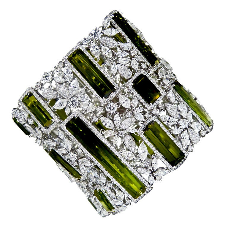 Hot Peridot Diamond Soft Bracelet
