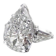 Stunning Pear-Shaped Diamond Ring 8.33 Carats GIA