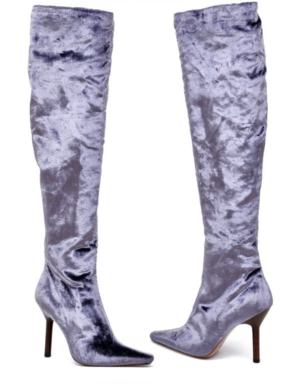 F/W 1999 GUCCI VELVET OVER KNEE BOOTS  RICH, LUXURIOUS AND SEXY!  Velvet Leather lining and sole  4