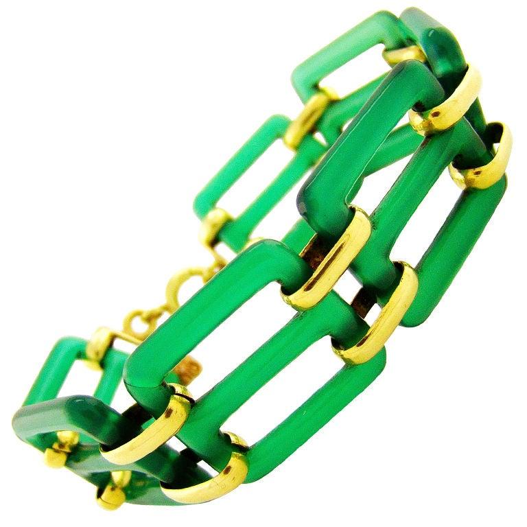 Original Art Deco Chalcedony & Yellow Gold Link Bracelet For Sale