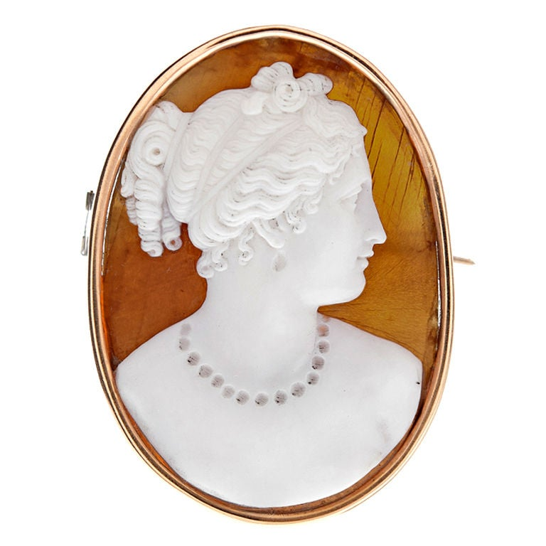Swedish Victorian Finely Carved Agate Cameo Yellow Gold Brooch 1