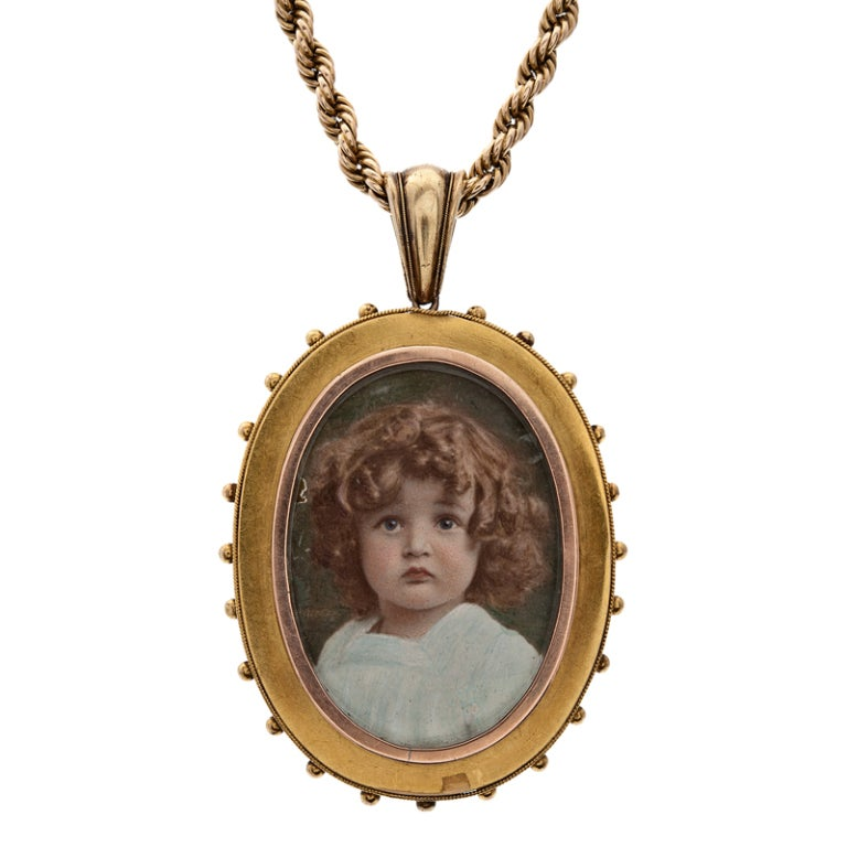 Victorian Reverse Painted Rock Crystal Mother of Pearl Locket In Excellent Condition For Sale In Carmel-by-the-Sea, CA