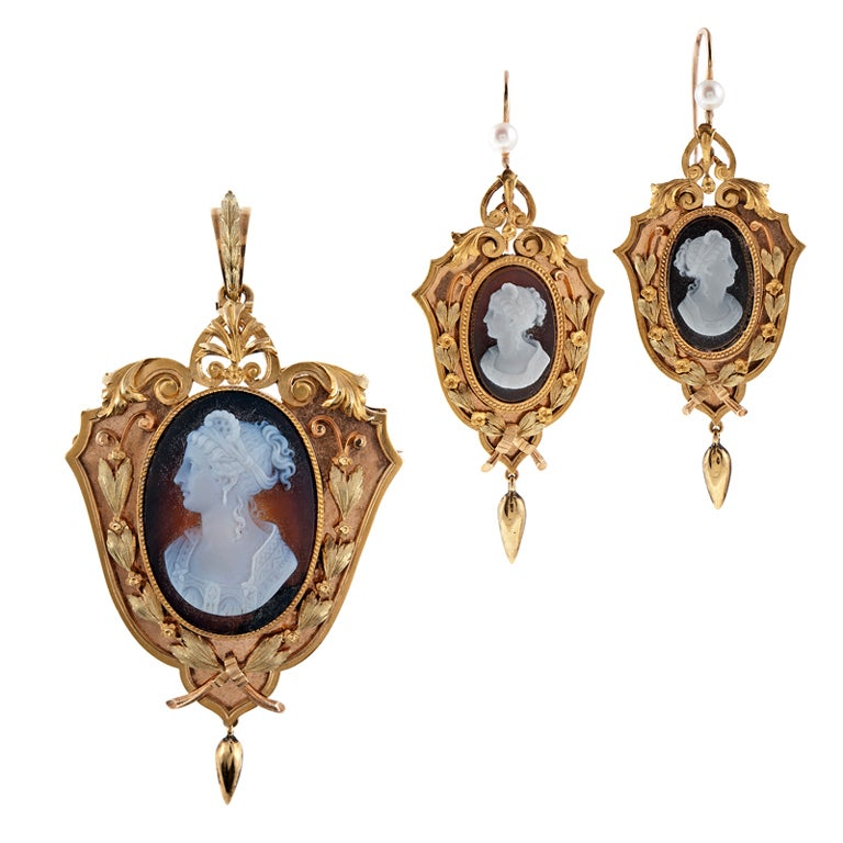 Agate Cameo Natural Pearl 'Tri-Gold' Victorian Pendant/Earrings 1