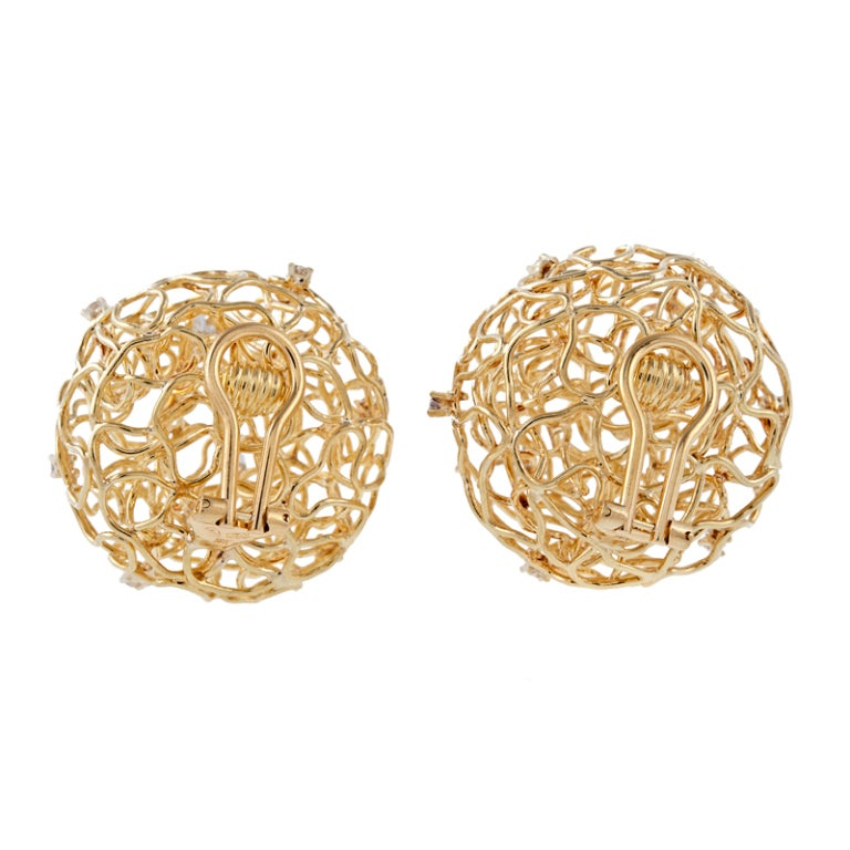 Diamond Gold Birds Nest Wire Clip-On Earrings In Excellent Condition For Sale In Carmel-by-the-Sea, CA