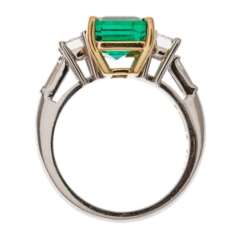 DAVID WEBB Emerald and Diamond Platinum Ring 3