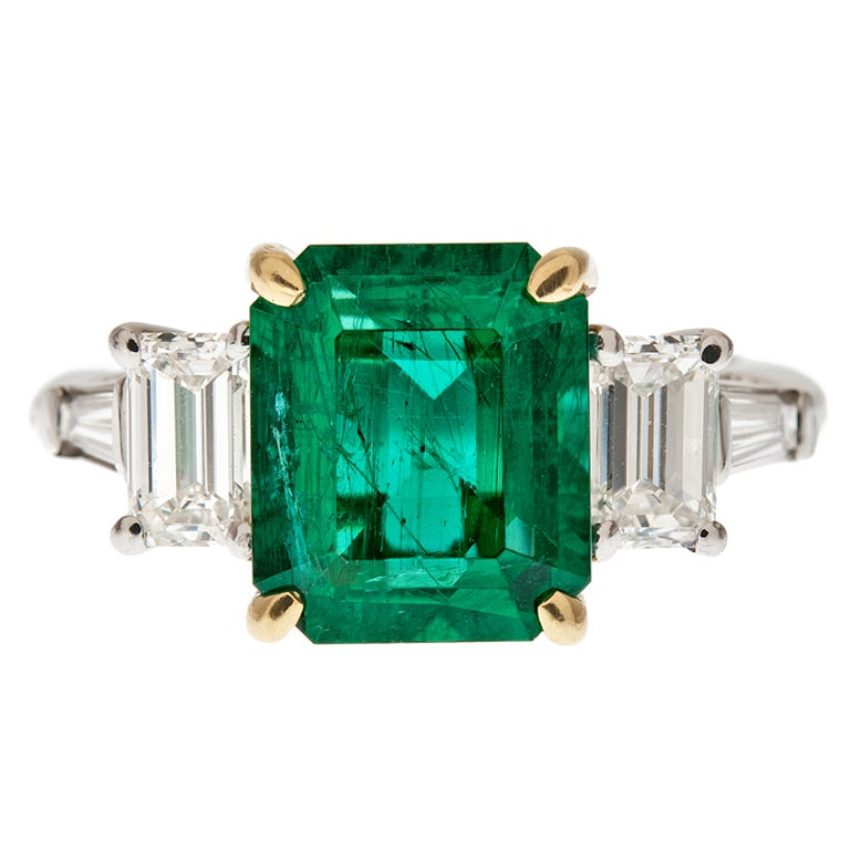 DAVID WEBB Emerald and Diamond Platinum Ring 1