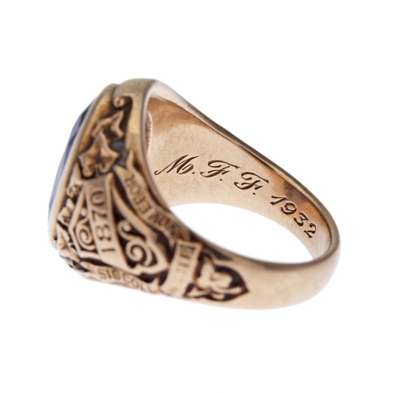 Gold College Rings