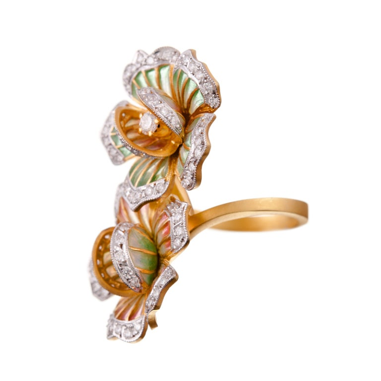 Those that are devoted to Masriera's celebrated designs already know... 