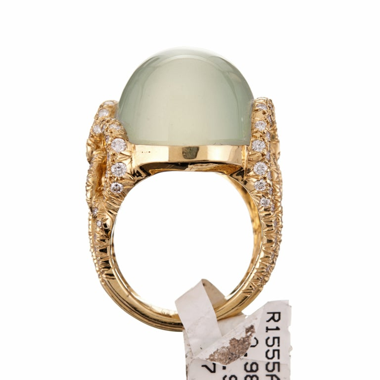 Women's Henry Dunay Alluring 37.95 Carat Green Moonstone Diamond Gold Ring For Sale