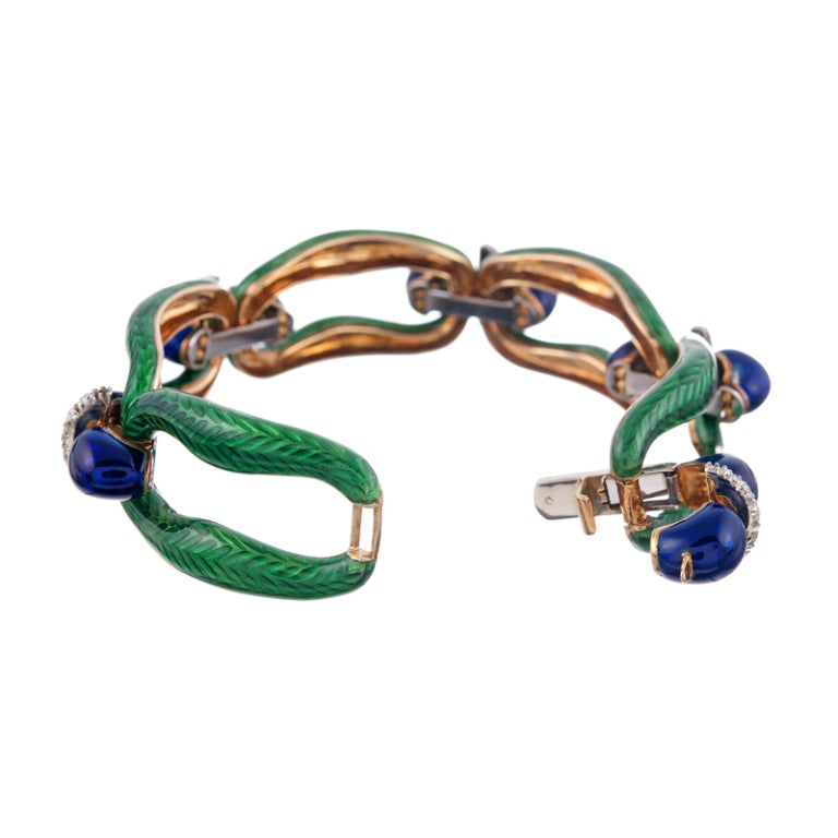 Pristine Kelly Green and Royal Blue Enamel Diamond Link Bracelet In Excellent Condition For Sale In Carmel-by-the-Sea, CA