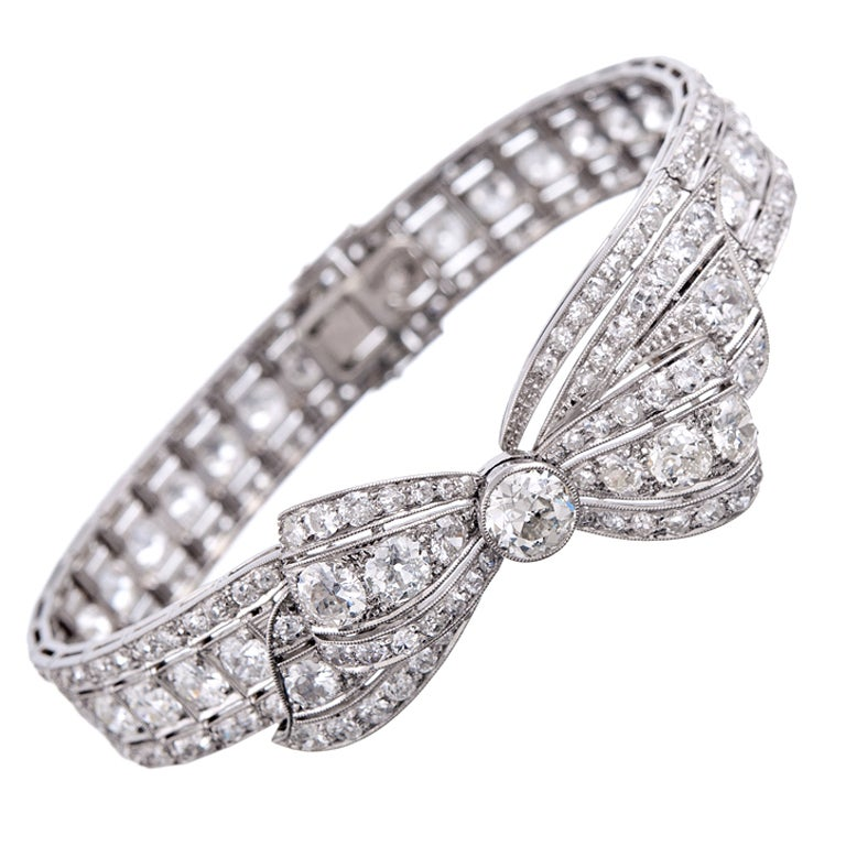"Marvelous ""Convertible"" 1930s Platinum Diamond Bow Bracelet For Sale"